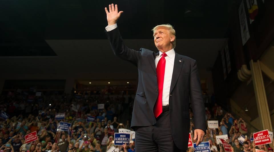 Quiere Trump 5,700 mdd para el muro; es una necesidad