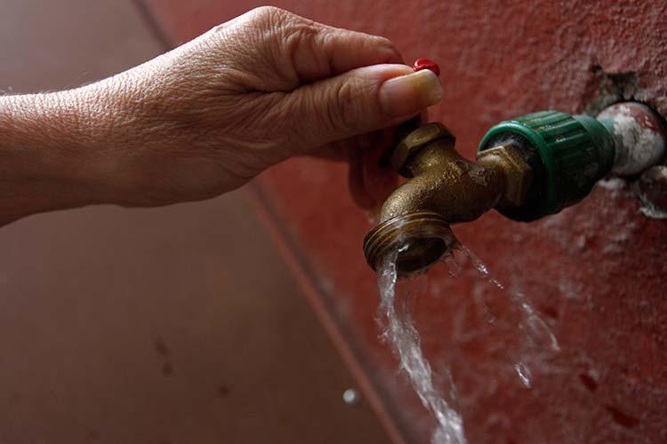 Granjas acuícolas se roban agua de la ciudad de Huauchinango
