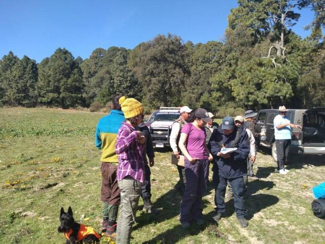 Rescatan con vida a 9 excursionistas extraviados en La Malinche