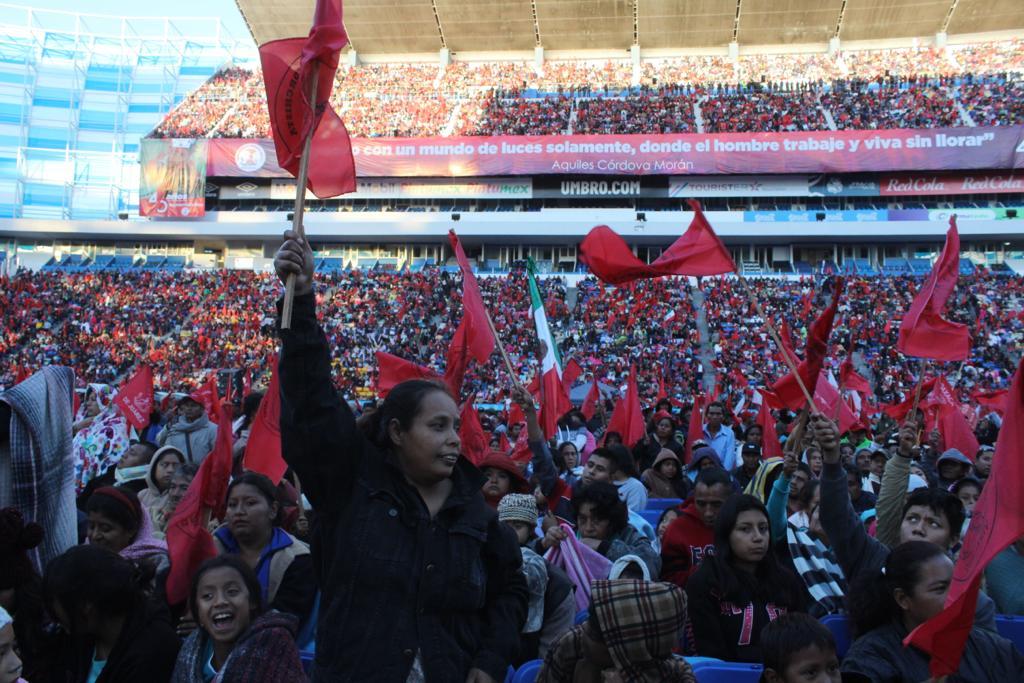 En aniversario de Antorcha, Aquiles Córdova critica la 4T