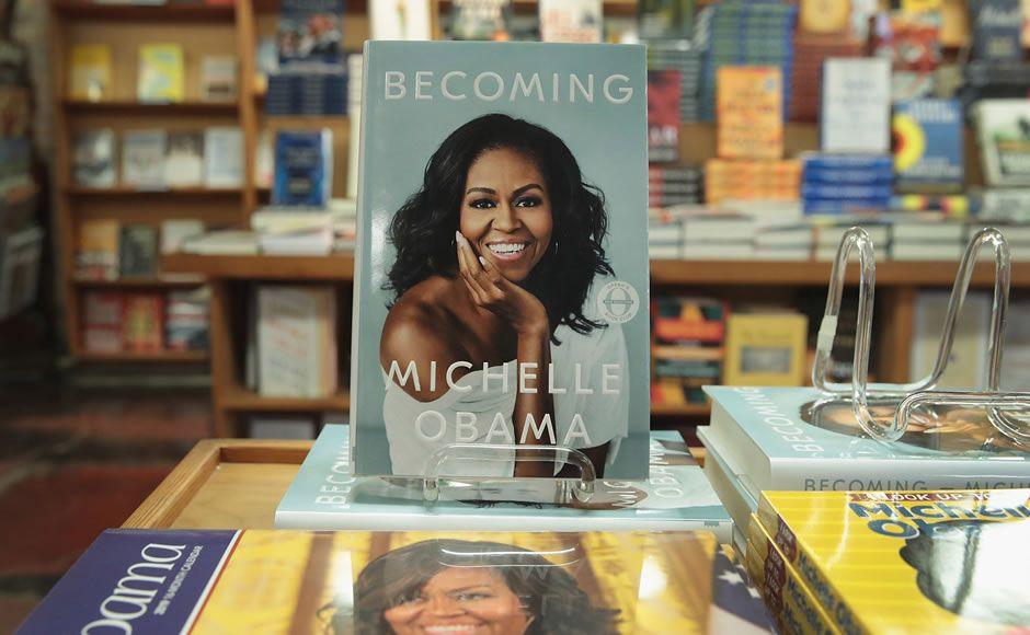 Michelle Obama gana Grammy por audiolibro de memorias