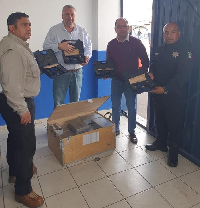 Llega la primera dotación de armas de fuego para policías de Tehuacán