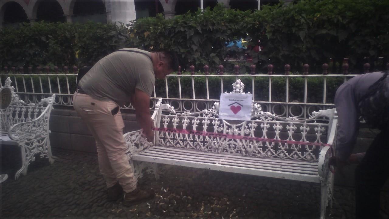 Hasta las bancas clausuran en Huauchinango por temor a Covid-19