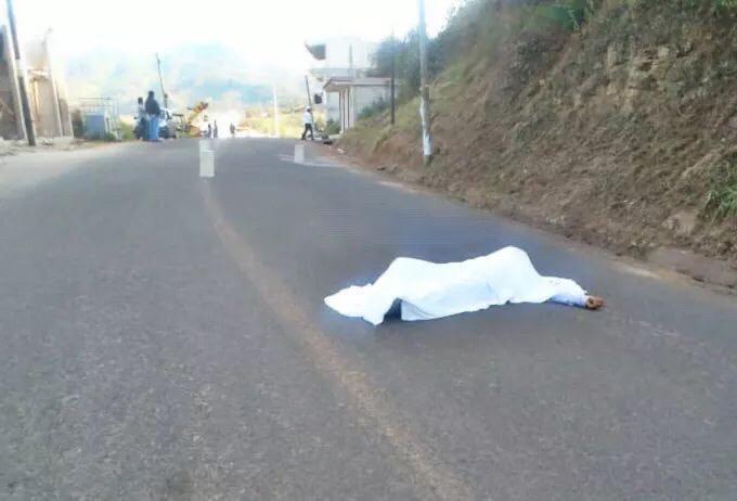 Muere masculino tras ser atropellado en Zacapoaxtla