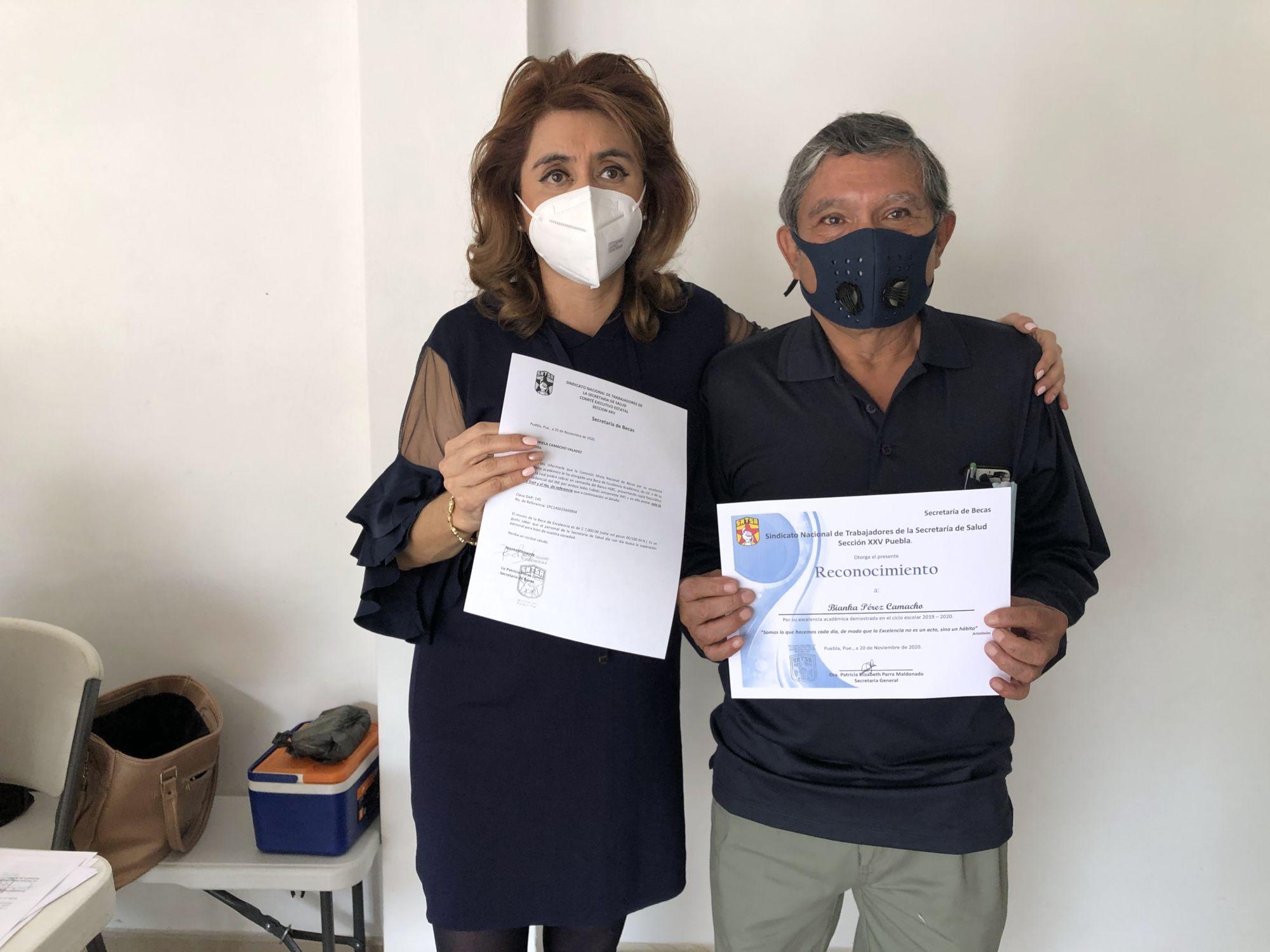 Otorgan 2 mil becas a trabajadores sindicalizados de Salud en Puebla