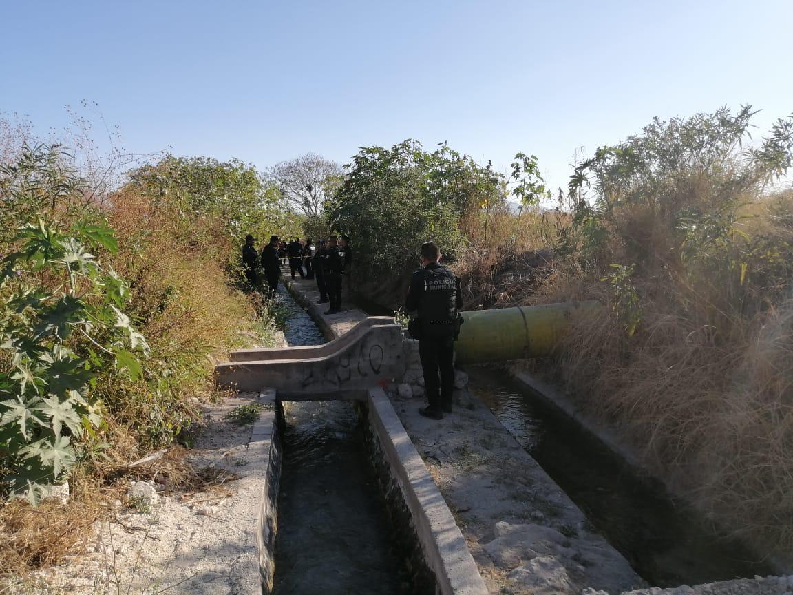 Encuentran cadáver de mujer adolescente en canal de Tehuacán