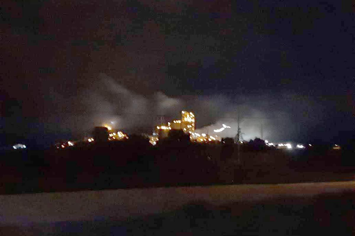 """En Cuautinchan, mientras la gente duerme, Cemex abre las válvulas del horno para """"envenenar"""" el aire"""