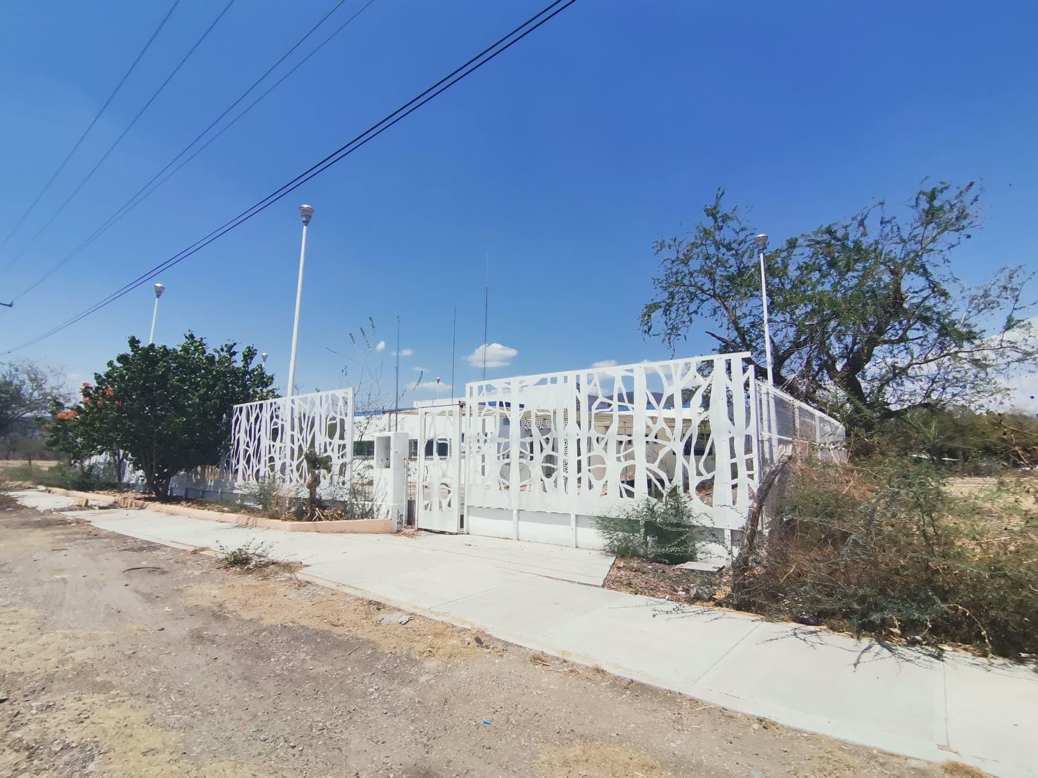 Centro de Salud de Huehuetlán el Chico, en el olvido