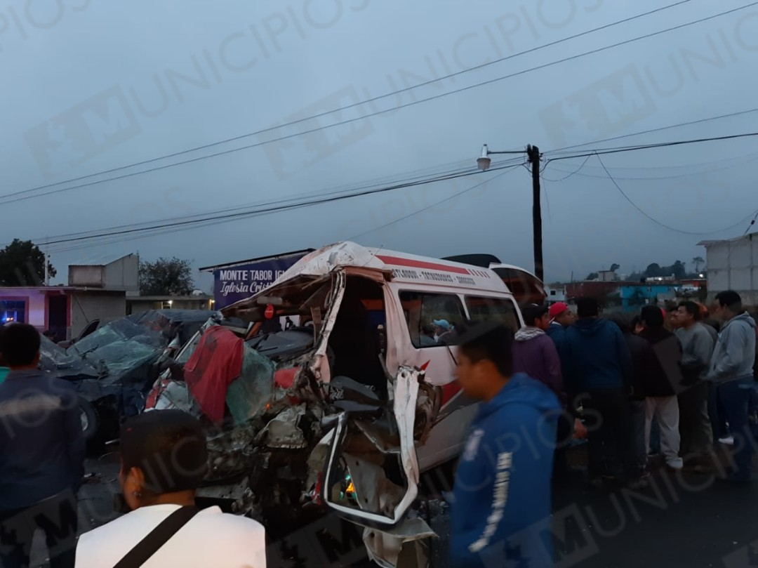 Chocan de frente en Tlatlauquitepec; hay un muerto y 15 heridos