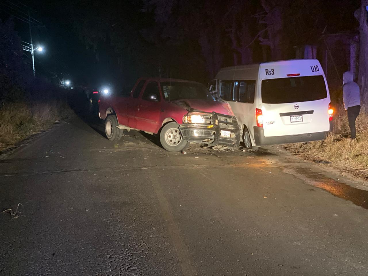 Choque de transporte público y particular deja 8 heridos en Huejotzingo