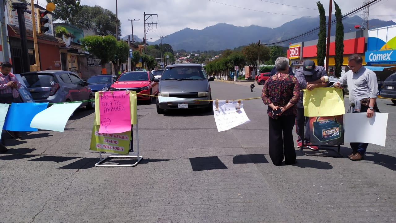 Cierran avenida Revolución en Huauchinango