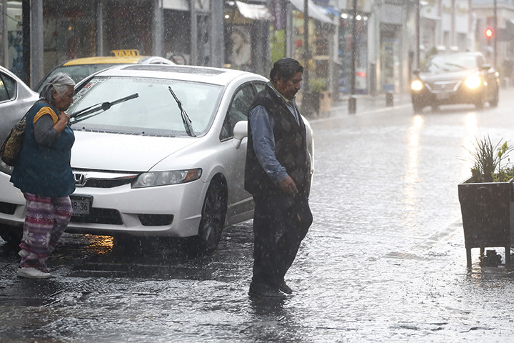 Este viernes continuarán las lluvias fuertes en Puebla