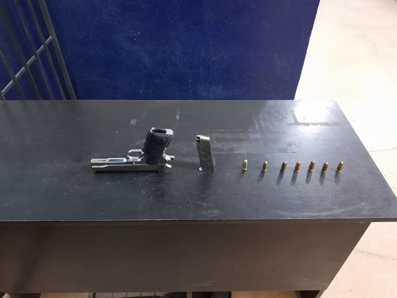 Los detienen en Coronango con arma de fuego y municiones