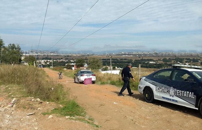 Taxista es ejecutado y acompañante encajuelado en Amozoc