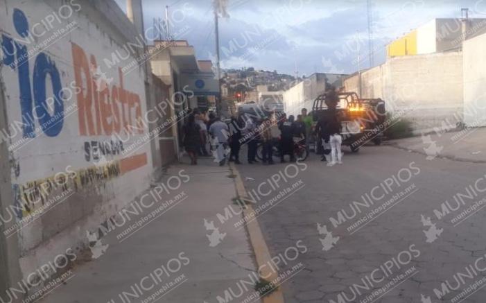 Ladrón de motos se salvan de ser linchado en Tecamachalco