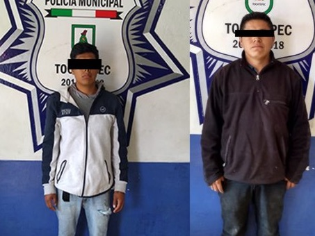 Cerca de secundaria, detienen a jóvenes con posible droga en Tochtepec