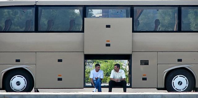 Alerta sobre fraude en sitio web falso de empresa de autobuses