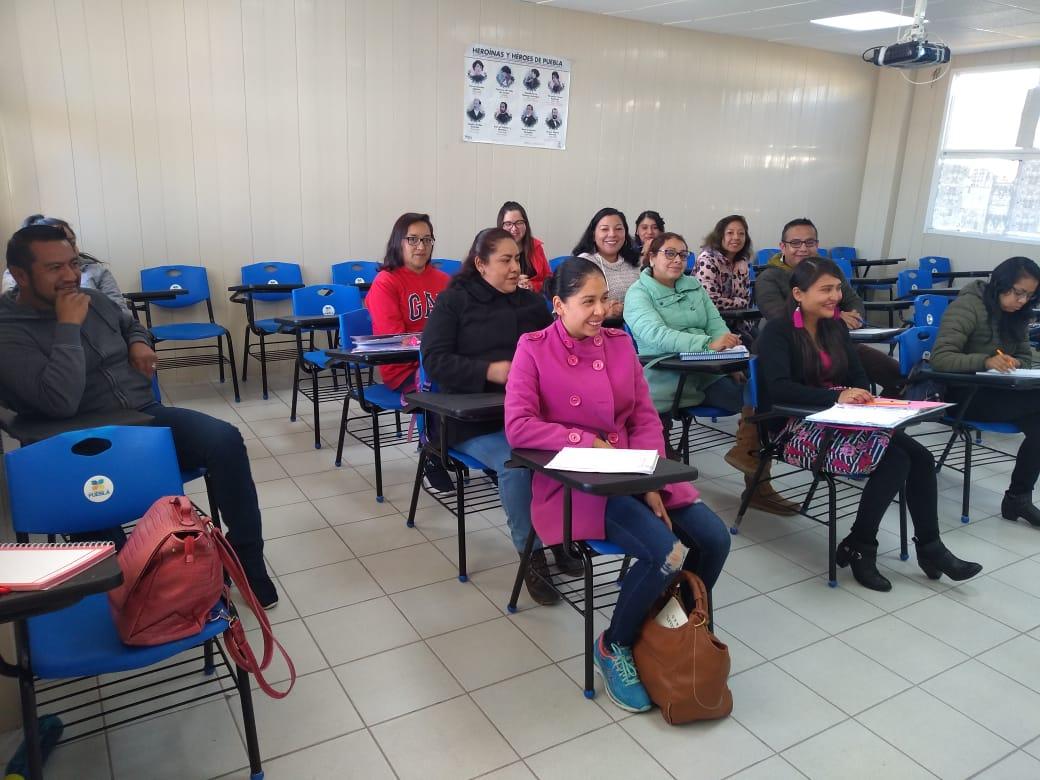 Reactiva Gobierno 11 sedes de educación digital en municipios poblanos