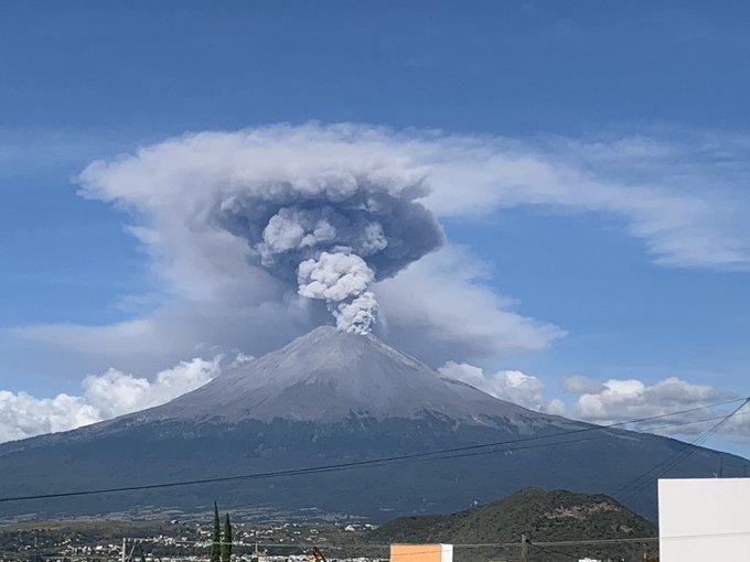 FOTOS Amanece el Popocatépetl más activo de lo normal