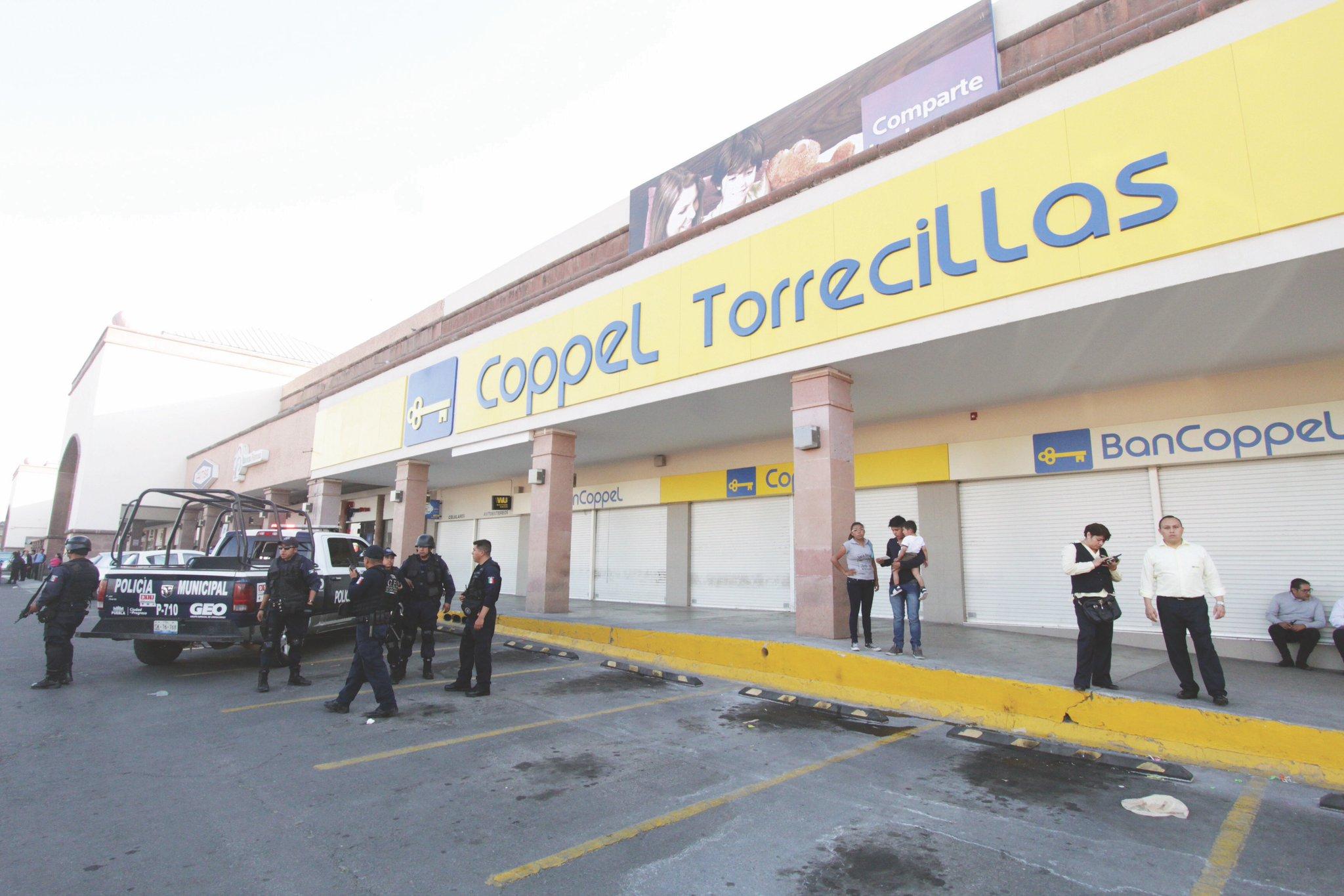 Asaltan ahora Coppel Torrecillas y huyen con joyería y relojes