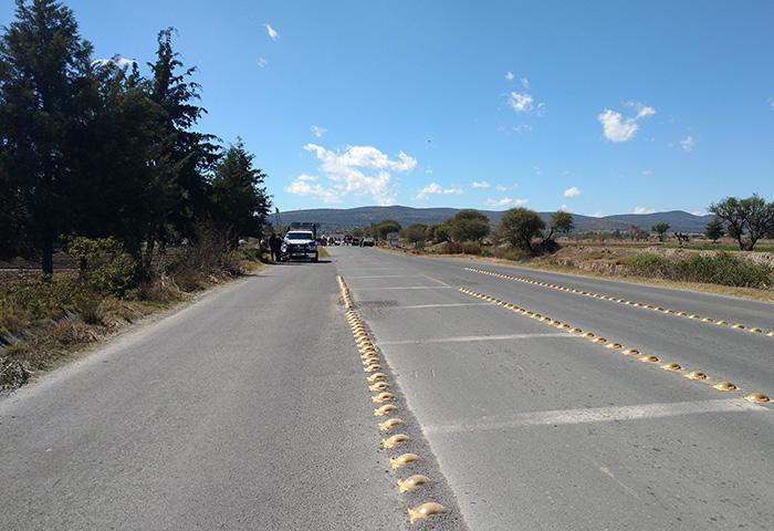Cuerpo de atropellado causa cierre de la Tecamachalco-Xochitlán