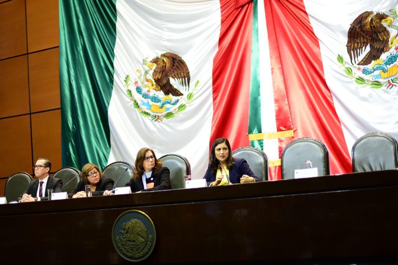 Asiste Claudia Rivera a mesa de siálogo a la Cámara de Diputados