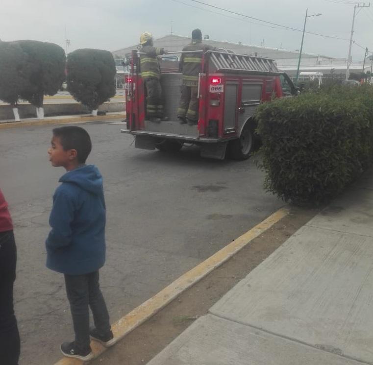 Desalojan unidad habitacional de Texmelucan por línea de gas