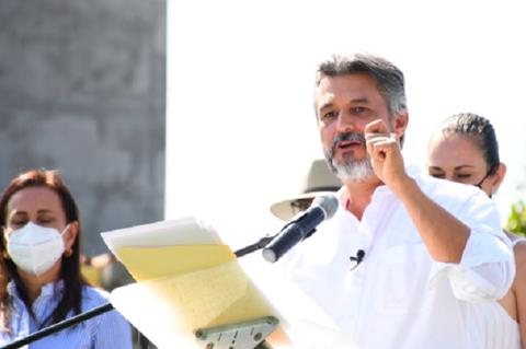 Felipe Sandoval realiza registro como candidato independiente a la alcaldía de San Andrés