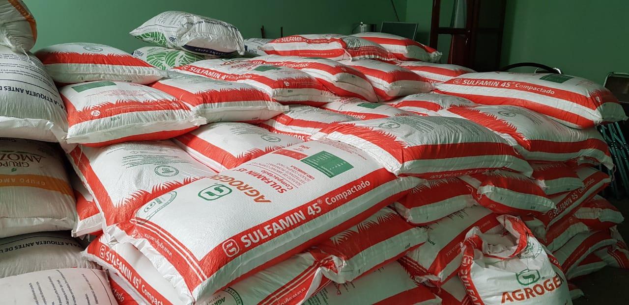 Entregan fertilizante a campesinos en Chiautla