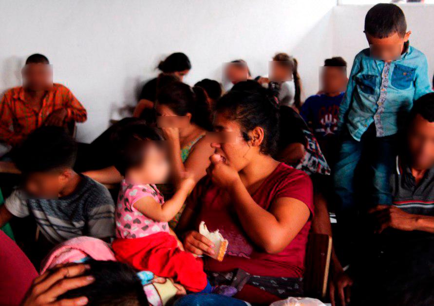 Cientos de migrantes buscan regularizar su situación legal en México