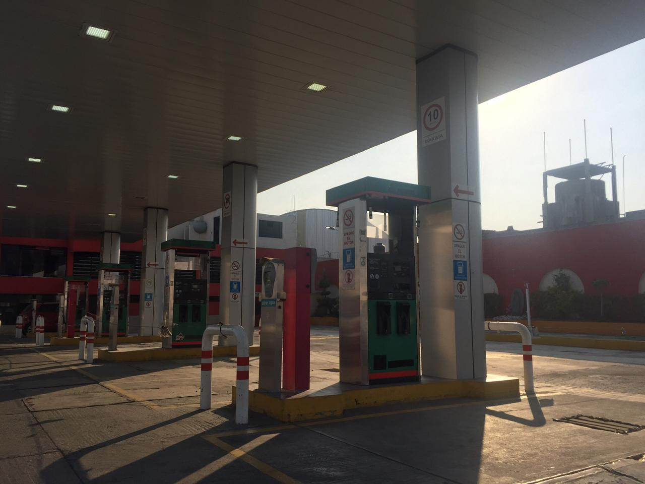 VIDEO SENER miente, gasolinera más barata de Puebla está cerrada