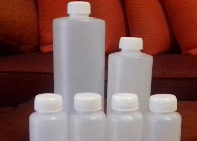 Producen en Izúcar gel anti bacteria y cubebocas caseros