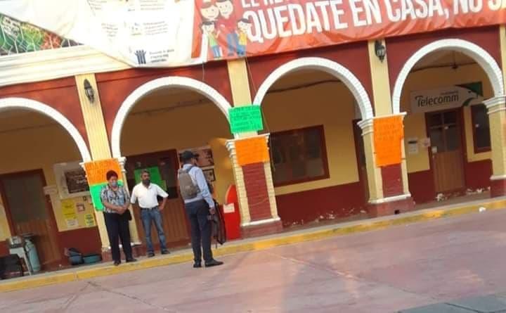 Vecinos de Coxcatlán que tomaron alcaldía denuncian intimidación de grupo armado