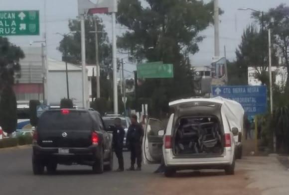Policías de tránsito extorsionan a vacacionistas en Texmelucan
