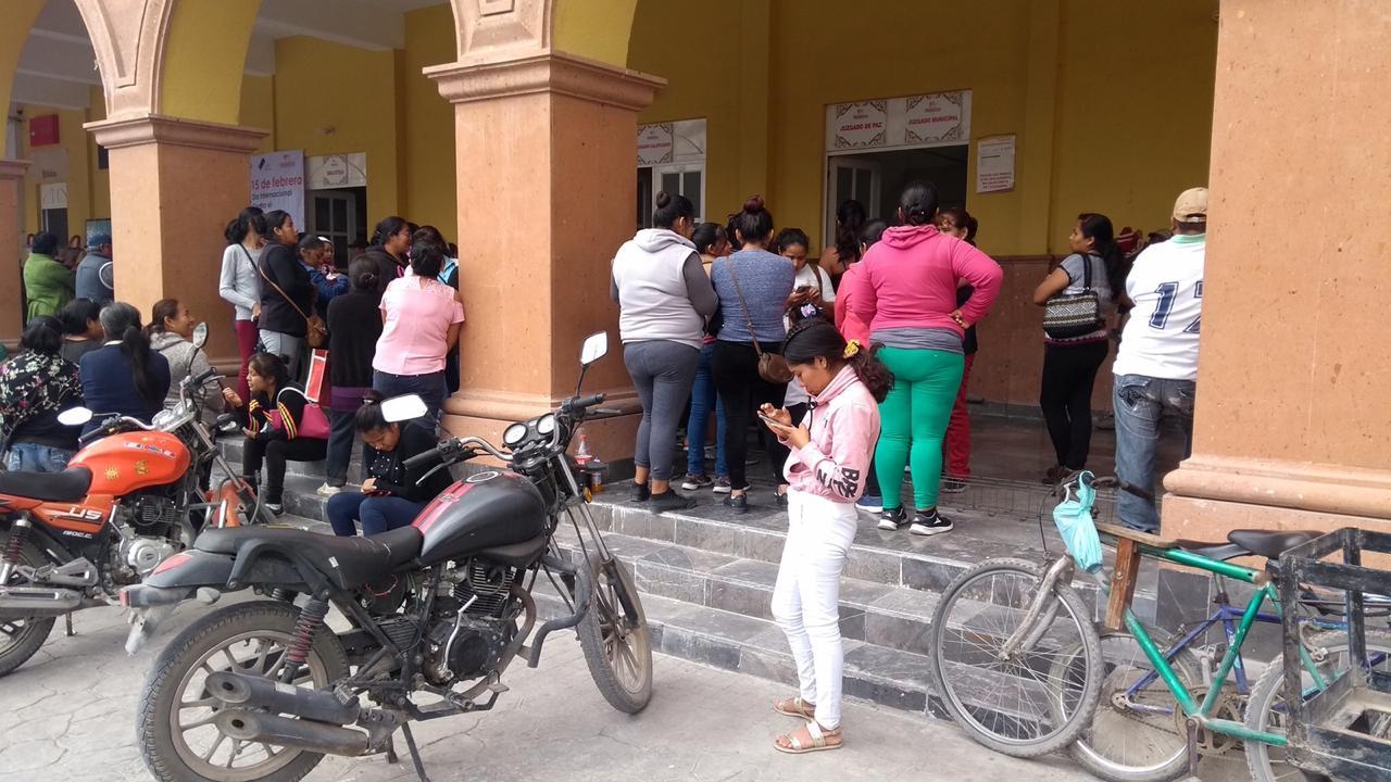 Desfalca a escuela en Miahuatlán y ofrece pagar con un terreno