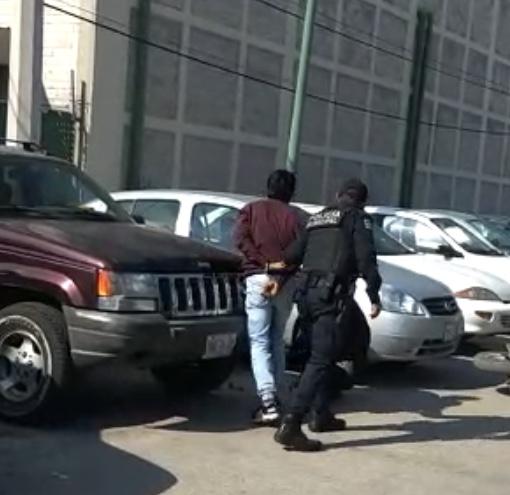 VIDEO Roban estética en Texmelucan y tras persecución los aseguran