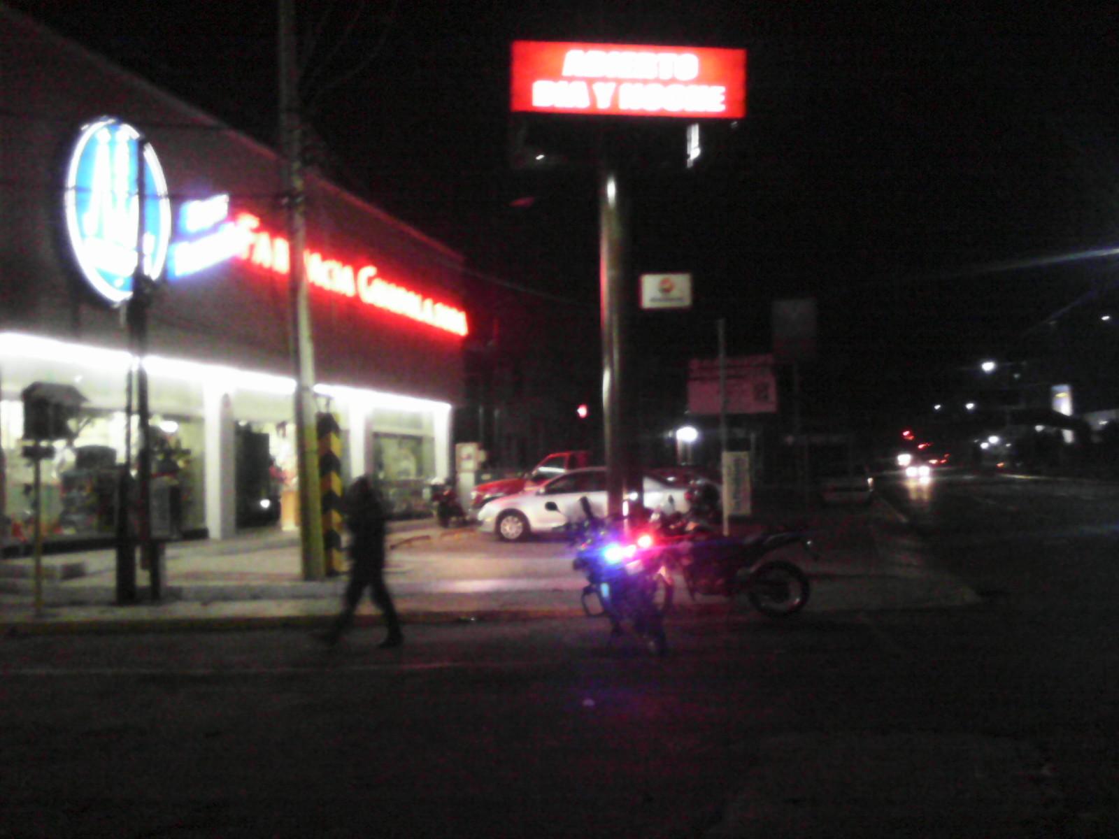 Asaltan farmacia Guadalajara y Oxxo en Texmelucan