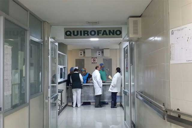 IMSS entrega insumos a trabajadores en hospitales de Puebla