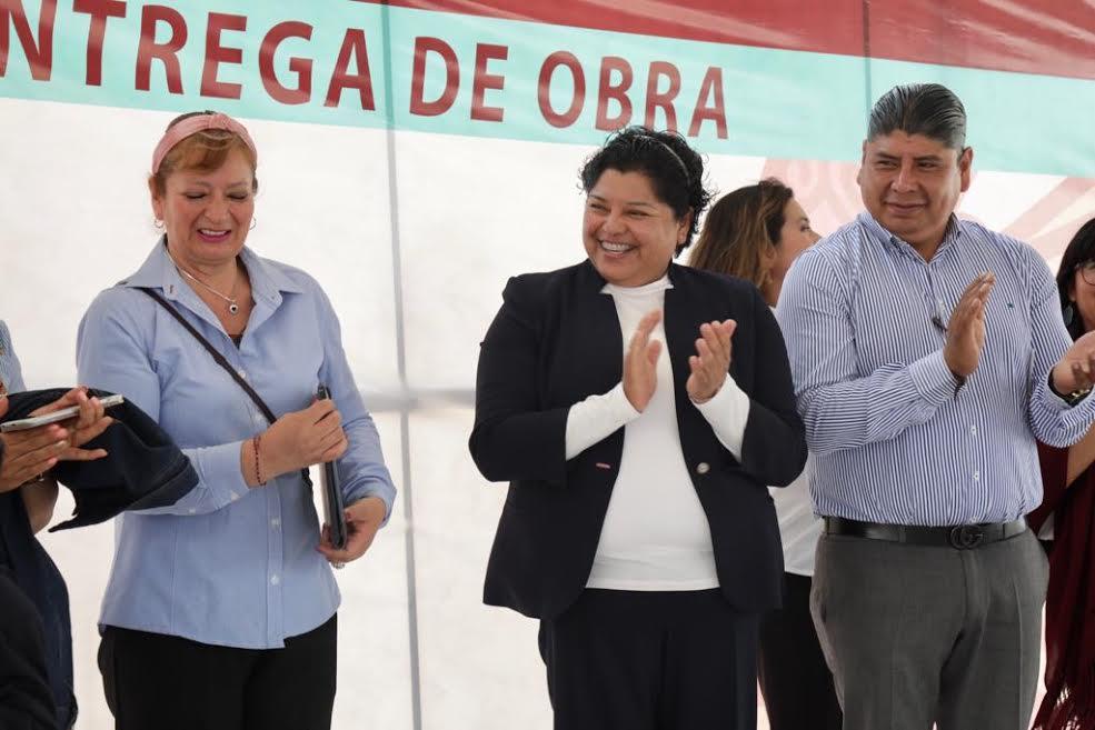 Pérez Popoca entregó dos aulas didácticas a preescolar