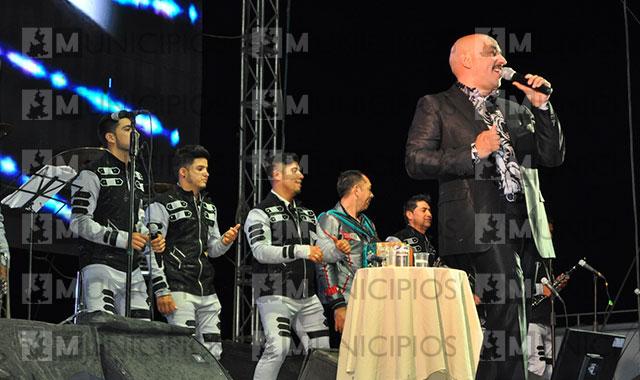 Sufre Lupillo Rivera intento de secuestro al terminar baile en Petlalcingo