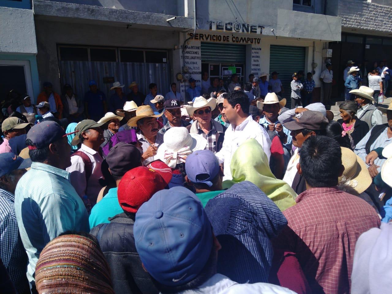 Engañan a campesinos de Tlacotepec, según les darían recursos