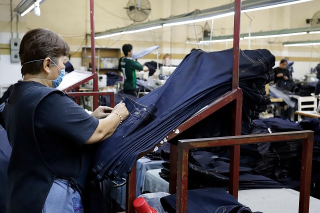 Logra industria maquiladora de Tehuacán exportación del 30% de su producción
