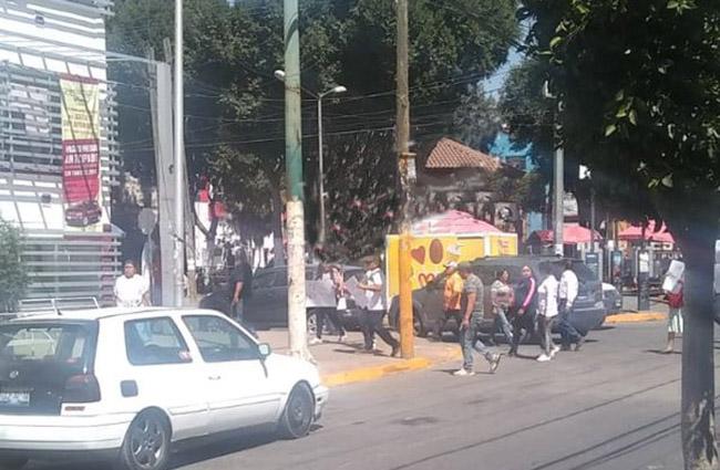 Marchan para exigir seguridad en San Pablo Xochimehuacan, Puebla