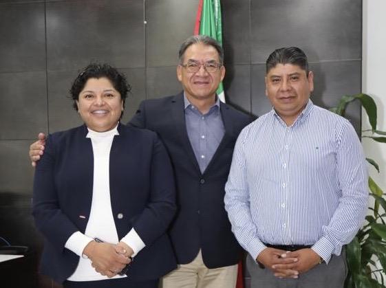 Melitón Lozano y Karina Pérez acuerdan trabajos por la educación