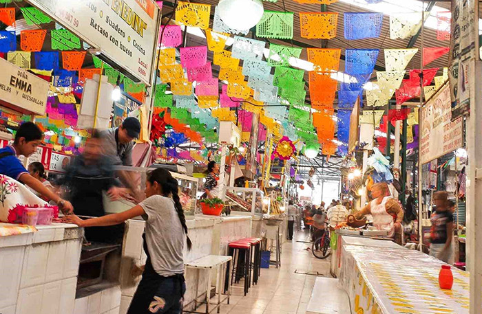 Cierran mercado turístico de Atlixco y limitan a ambulantes días de venta