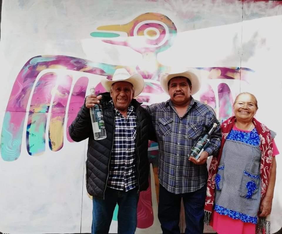 Mezcal poblano Hermanos Meza gana primer lugar nacional