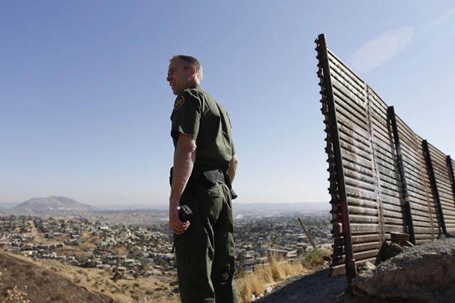 Suman 8 izucarenses detenidos en Estados Unidos al cruzar la frontera