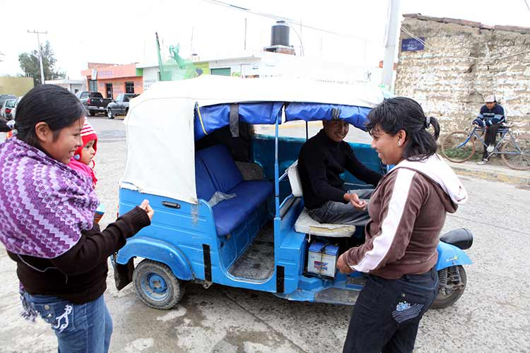 Coronango y Cuautlancingo suman 1,700 mototaxis en operación