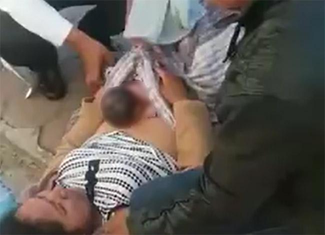 VIDEO Le niegan acceso a hospital de Nativitas y da a luz en la calle