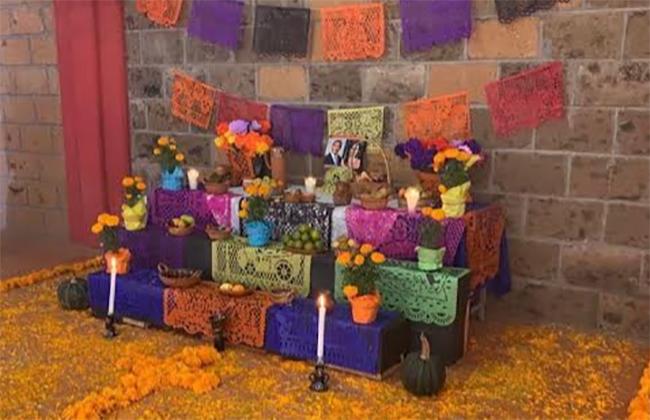 En Cuautlancingo colocan ofrenda a Martha Erika y Rafael Moreno Valle